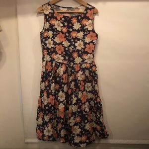 Lindy Bop Audrey floral fit and flare dress